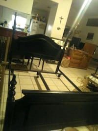 Queen bed frame Cathedral City, 92234
