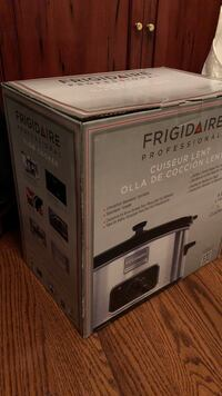 Brand New Frigidaire Professional Slow Cooker