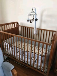 Baby crib mint condition used for 5 months