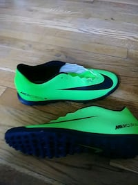 pair of green-and-black Nike cleats Riverdale Park, 20737