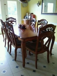 brown wooden dining table set Dumfries, 22026