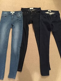two blue and black jeans Lethbridge, T1H
