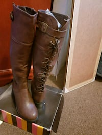 Women's Brown knee high boots size 8 NEW New York, 10018