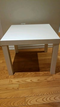 rectangular white wooden coffee table Toronto, M1W 2K6