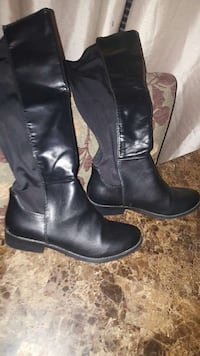 Tall riding boots great condition.  Lynn, 01904