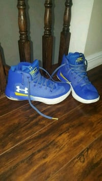 pair of blue Nike basketball shoes Brampton, L7A 3Z1