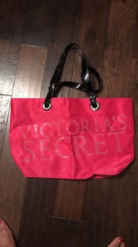 Red and black leather tote bag Haymarket, 20169