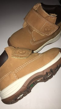 Size 5 authentic brown suede Timberland boots for toddler boys  Oakville, L6L 0A8