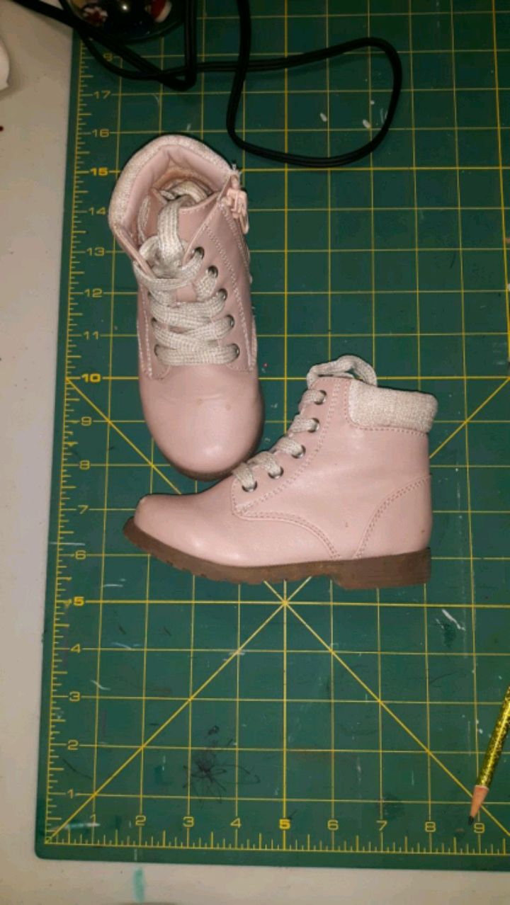 Photo TODDLER GIRL SHOES, SIZE 7