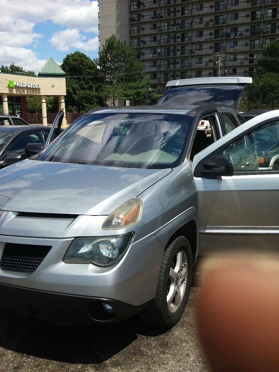 used 2004 4 door pontiac aztec needs a motor thats all for sale in rh us letgo com