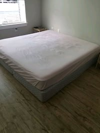 king mattress with foundation  Charlotte, 28202