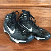 pair of black Nike basketball shoes Mount Airy, 21771
