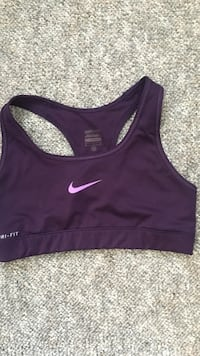 women's black Nike sports bra Winnipeg, R3E 0L9