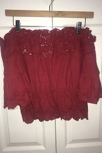 Off the shoulder burgundy top Surrey, V3S 0Z1