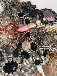 Lot of jewellery making findings, beads, wire, chain, Swarovski crystals, jump rings, diamonte  Burnaby, V5B 4S6