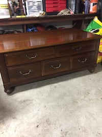 brown wooden 3-drawer chest North Canton, 44720