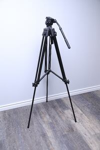 Heavy-duty Video Tripod w/ Fluid Head Toronto