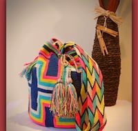 Backpack 100% Colombian products and handmade with threads by indigenous people