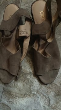 Pair of gray suede open-toe heeled sandals Tupelo, 38801