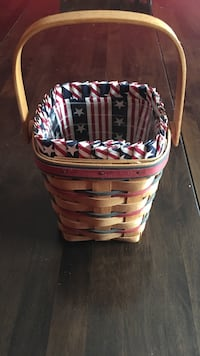 1995 longaberger all American candle basket. Comes with liner and protector Harpers Ferry, 25425