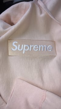 Supreme Peach Box Logo