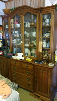 brown wooden framed glass display cabinet Amarillo, 79106