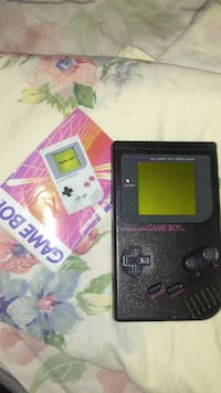 black nintendo game boy