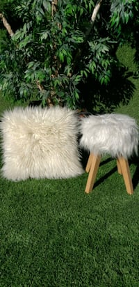 Fluffy Set -Stool and Pillow