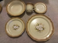 white-and-beige floral ceramic dinnerware set Austin, 78741