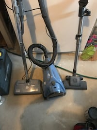 Dirt devel bagless vacuum King City