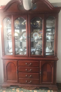 Brown wood display cabinet  Oakville, L6M