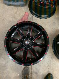 20x10 6 lug Chevy and ford wheels like new with set of 35s amp