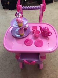 Mine mouse treat cart Vancouver, V6P 4M9