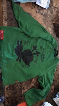Green and black crew-neck t-shirts Châteauguay, J6K 2G1