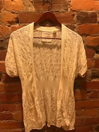 Women's beige lace cardigan. From Anthropologie. Size M Toronto, M6G 2M4