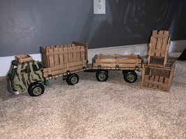 Schleich truck & trailer with crates