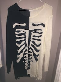 Knitted skull sweater (size small)  Dartmouth, B3A