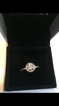 Pandora ring size 8 Barrie, L4M 2T2
