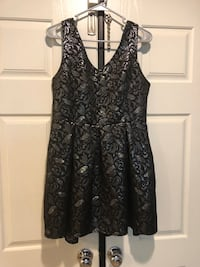 Black and silver short dress. Palmdale, 93550