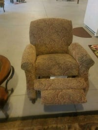 Recliners for sale  Omaha, 68022