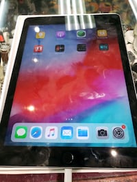 Ipad 6th Generation 32gb  WiFi+Cellular