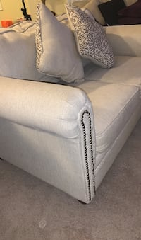 Stylish Love Seat for Sale Alexandria, 22312