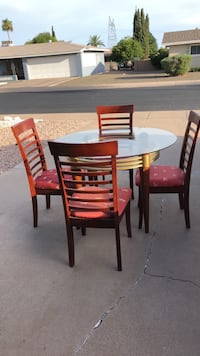 round brown wooden table with four chairs dining set Mesa, 85205