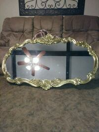oval mirror with gold frame San Angelo, 76901