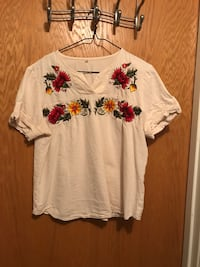 white-red-and-green floral print shirt Great Falls, 59405