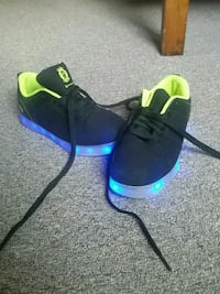 pair of black LED sneakers Allentown, 18103