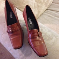 pair of brown leather loafers Los Angeles, 91367