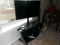 46 inch Samsung led plus swiveling stand. Woodbridge, 22192