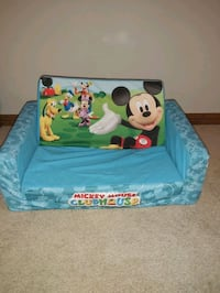Mickey mouse toddler couch  Calgary, T2G