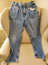 Levis 569 28W 30L no holes or stains